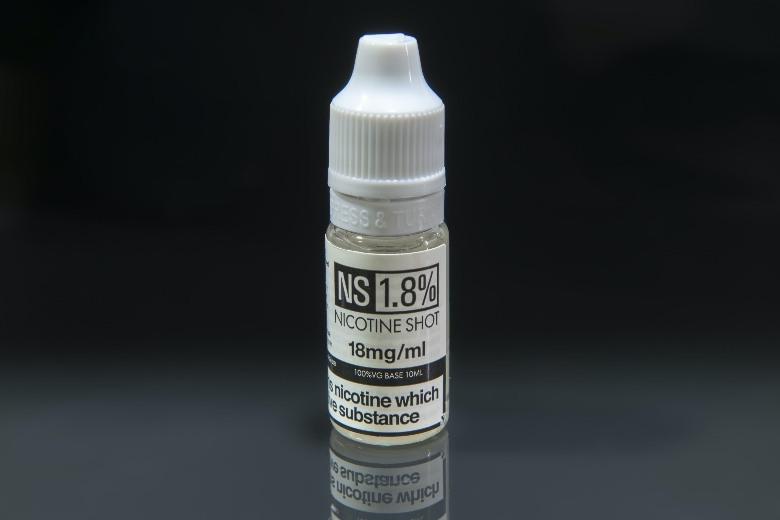 liquide cigarette électronique à la nicotine pour arrêter de fumer