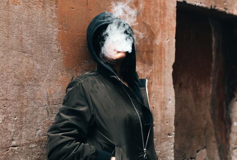 fille qui fume