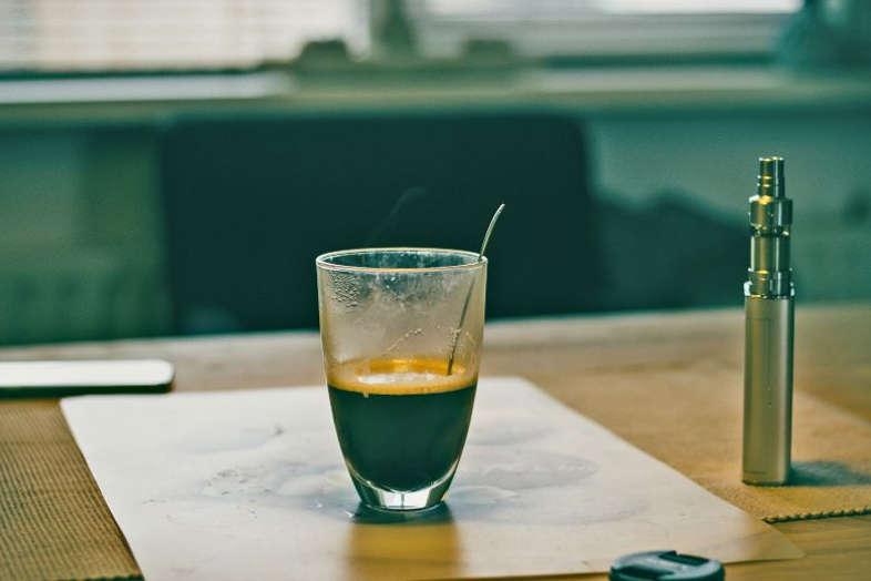 café cigarettes électroniques liquides