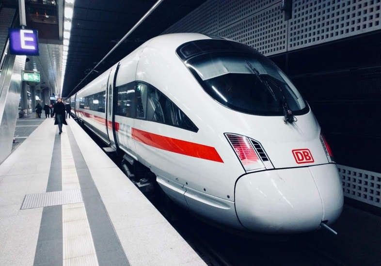 Train arrêté à la gare