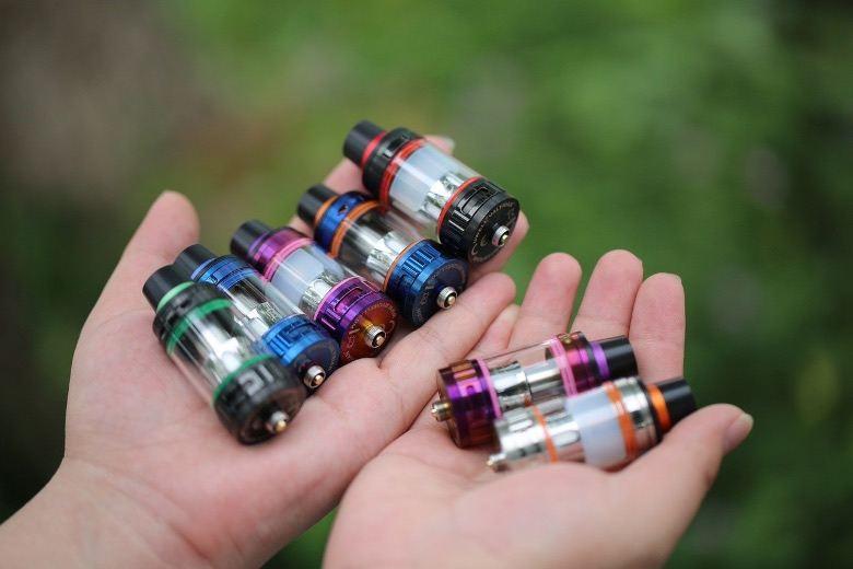 Atomiseurs pour cigarettes électroniques à nettoyer