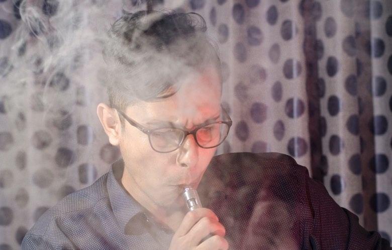 Cigarette électronique avec atomiseur Cheek Shot
