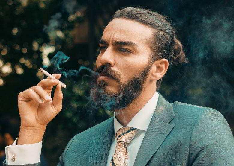 Différences : combien de nicotine est consommée en vapotant et combien en fumant la cigarette ?