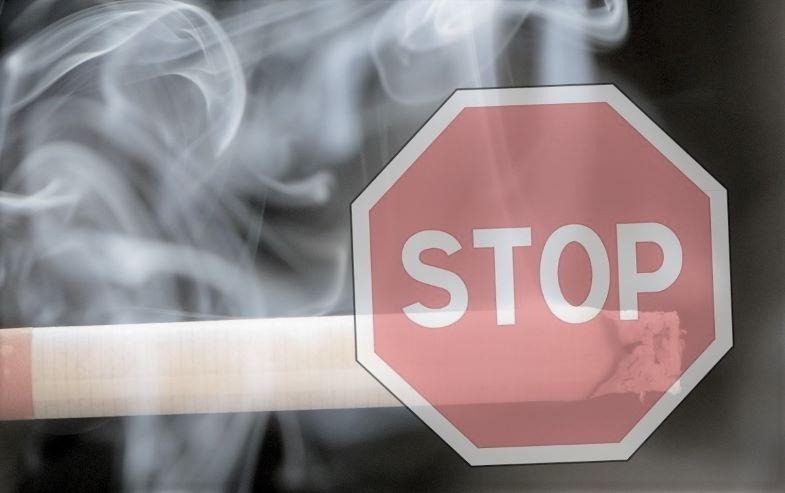 Peut-on vapoter dans les lieux publics ? Lois sur le tabagisme.