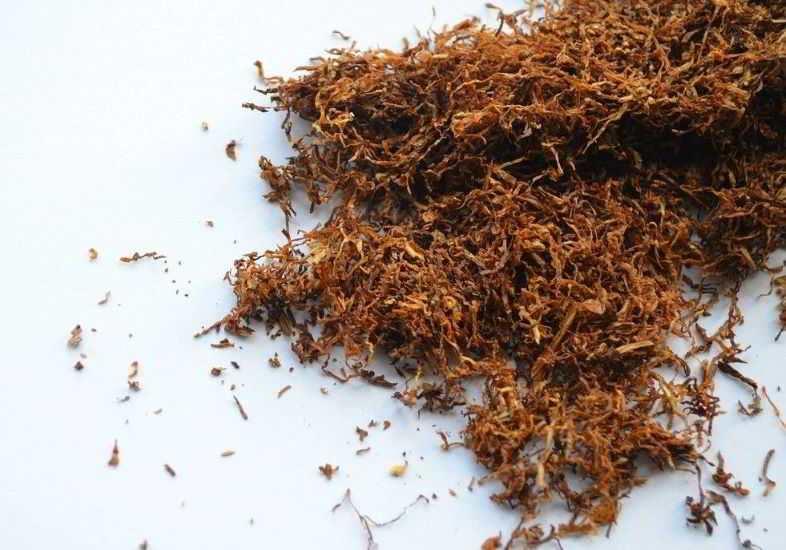 Cigarette électronique aromatisée au tabac liquide pour arrêter de fumer.